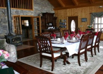 Elkwood Manor Luxury Bed & Breakfast, dining area