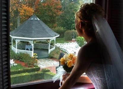 Tara- A Country Inn, bride