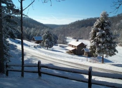 Lakes Creek Bed & Breakfast, winter snow