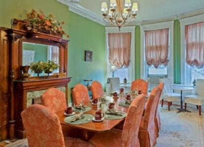 Akwaaba Bed & Breakfast dining table