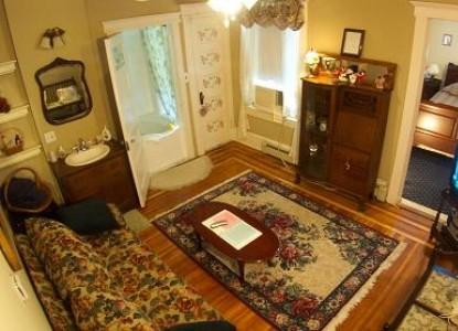 Avon Manor Inn Bed & Breakfast & Cottage  - Living Room