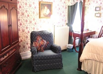 Georgian Manor Inn Bed and Breakfast, Georgian bedroom