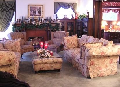 Georgian Manor Inn Bed and Breakfast, Living Room