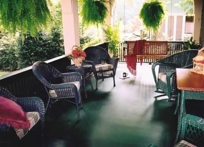 1900 Inn on Montford - Porch