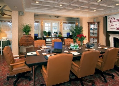 The Chateau Inn & Suites conference room