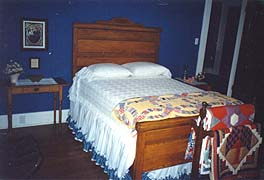 Cinnamon Ridge Bed & Breakfast Antique Room