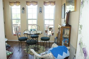 The Poets House Bed & Breakfast-Sunroom overlooking the Ohio River