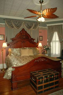 The Gables Inn Bed & Breakfast, The Governor's Room