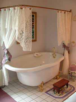 Romantic Claw-Foot Tub