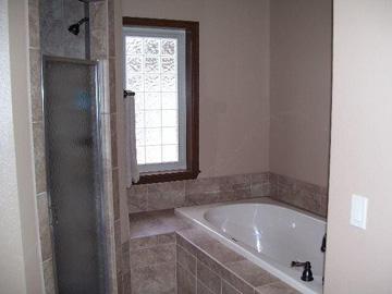 Calico Rock Cabin, bathroom