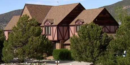 The Tudor Rose Bed and Breakfast & Chalets - Salida, Colorado
