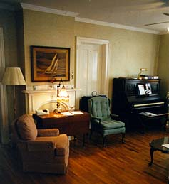 Holcombe Guest House Bed & Breakfast-Living Room
