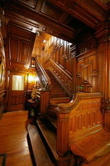 Cedar Crest Inn, Main Staircase
