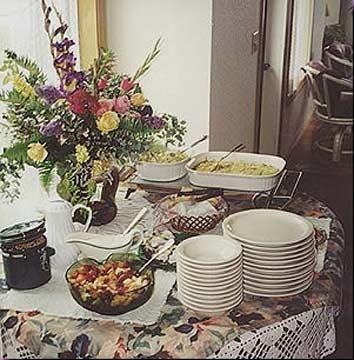 Turtle Rocks Oceanfront Inn-Hearty Full Breakfast Buffet