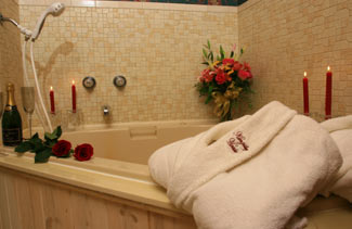 Kingsley House Bed and Breakfast Inn-Jacuzzi