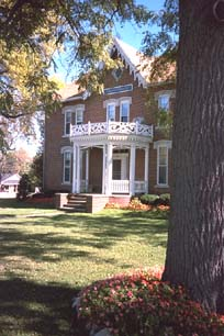 Raymond House Inn, front view