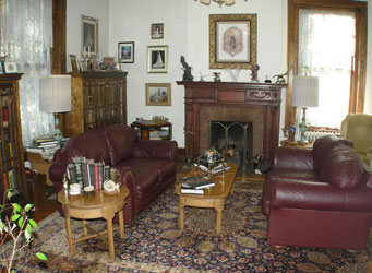 Federal Crest Inn Bed & Breakfast-Parlor