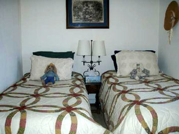 Battlefield Bed & Breakfast Inn twin beds