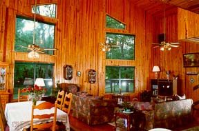 Great Room - Running Deer Lodge - Inverness, Florida