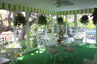 East Lake Bed &amp; Breakfast - Tarpon Springs, Florida