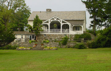 The Storm King Lodge - Mountainville, New York border=
