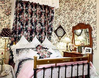 Twenty-four Thirty-nine, A Bed and Breakfast, Jana Roberta Suite