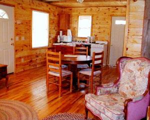Hunter's Run Lodge Bed & Breakfast Dining Room