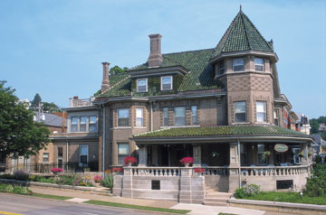 The Mandolin Inn - An Edwardian Bed & Breakfast - Dubuque, Iowa
