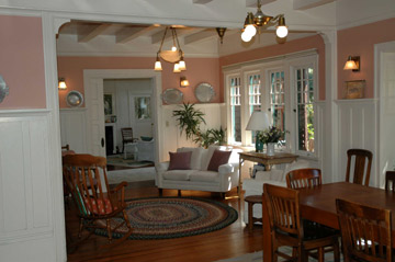 A Bed & Breakfast on Fairmount Dining Room/Sitting Area