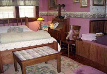 Stay-Inn-Style Bed & Breakfast Bourdoir Room