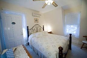 'By the Sea' Guests Bed & Breakfast Suites, Second Floor Guest Room