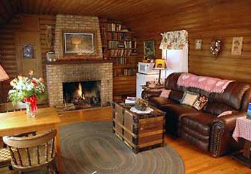 Lazy Cloud Lodge, log cabin suite