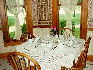 Nana's House Bed & Breakfast Dining Room