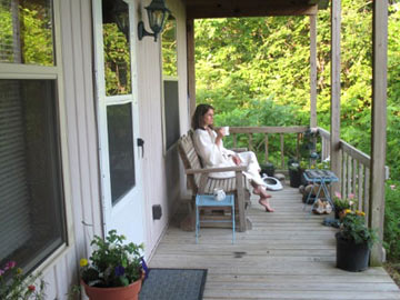 Cottage on the Knoll at Cedarcroft Farm Bed & Breakfast, Guests