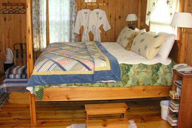 Cottage on the Knoll at Cedarcroft Farm Bed & Breakfast, guest rooms