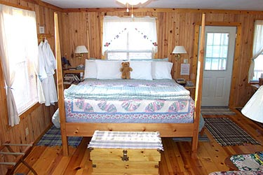 Cottage on the Knoll at Cedarcroft Farm Bed & Breakfast, Guest room