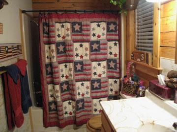 Aunt Jan's Cozy Cabin Bed & Breakfast bathroom