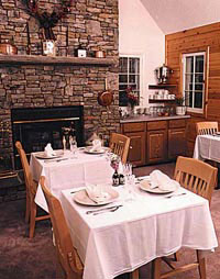 Carmel Cove Inn at Deep Creek Lake, Dining Room