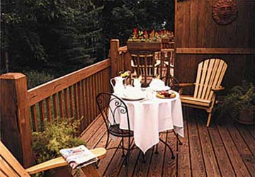 Carmel Cove Inn at Deep Creek Lake, Deck/Dining