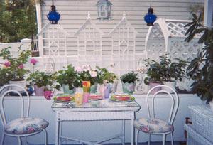 A Lady Winette Cottage, Front Porch