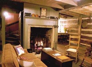 The Cabin at Sassafras Knoll Bed & Breakfast Living Room