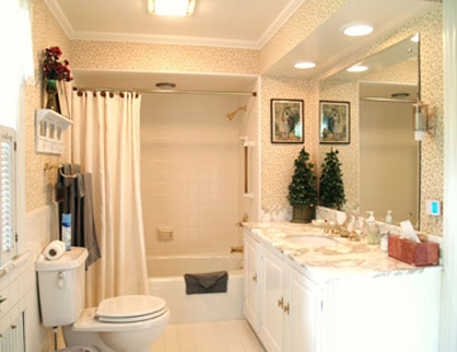 DeLano Mansion Bed & Breakfat, Bathroom