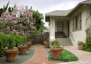 Berkeley Brick Path Bed &amp; Breakfast