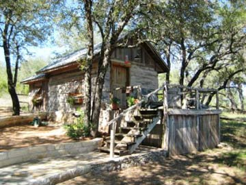 Chanticleer Log Cabin Bed &amp; Breakfast - Spicewood, Texas