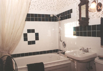 The Magic Door Bed and Breakfast Autumnwood Bath