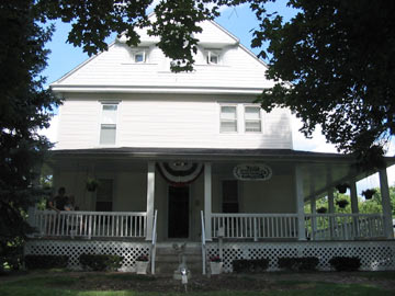 Lord Stocking's Bed & Breakfast - Mendota, Illinois