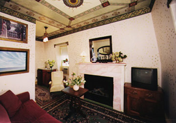 The Maple Leaf Suite Sitting Room
