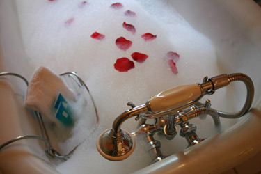 Tryon Farm Guest House Romance & Pampering Awaits You