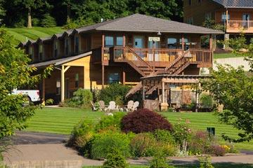 Sojourner's Lodge & Log Cabin Suites front of inn