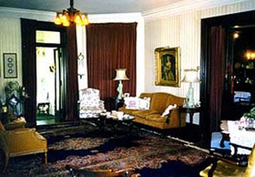 Parlor - Victorian Inn Bed & Breakfast - Rock Island, Illinois